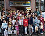 vor dem Straßenkinderheim ACPERN in Kiew