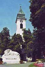 1999 kommt der Turm in Besitz der Kirche