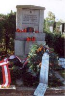 Kriegsopferdenkmal auf dem Asperner Friedhof